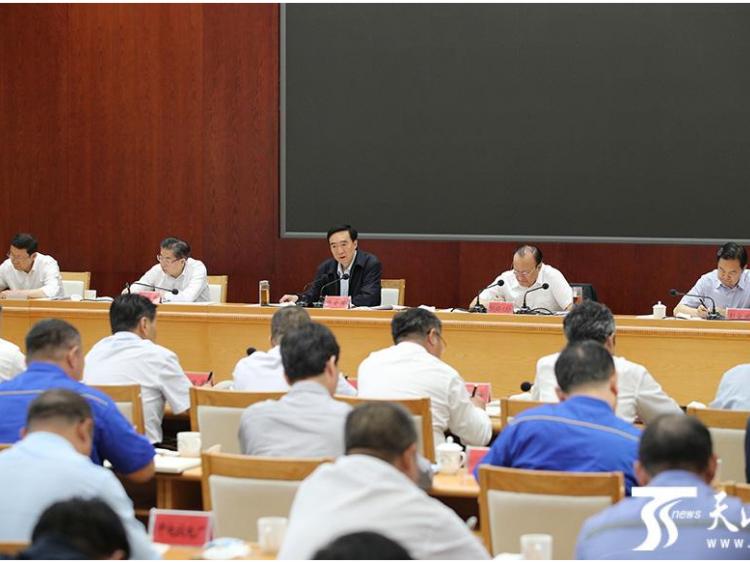 陈全国雪克来提·扎克尔在准东经济技术开发区调研